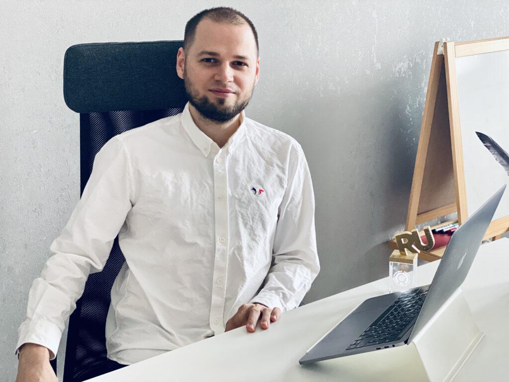 Зачем «инвестирвать» в новые соцсети, типа TikTok, Яндекс.Дзен и ClubHouse?